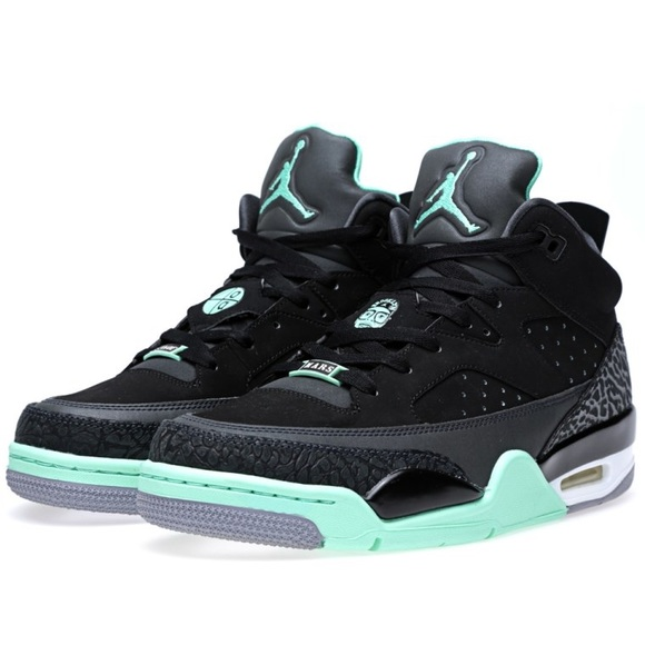 new product 6162f 9afa5 NIKE JORDAN SON OF MARS  GREEN GLOW . M 5ada11611dffda9f85f495a5
